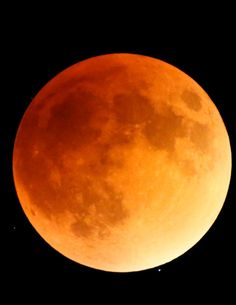 January 2019 lunar eclipse: How to watch the super blood wolf moon eclipse Starting on Jan. a total lunar eclipse, or blood moon, that coincides with a supermoon, will be visible throughout the United States.