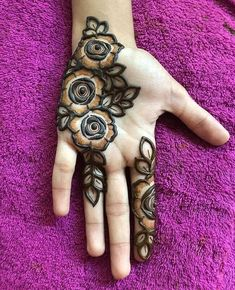50 Most beautiful Florida Mehndi Design (Florida Henna Design) that you can apply on your Beautiful Hands and Body in daily life. Khafif Mehndi Design, Rose Mehndi Designs, Full Hand Mehndi Designs, Stylish Mehndi Designs, Mehndi Designs For Beginners, Mehndi Designs For Girls, Mehndi Design Photos, Mehndi Designs For Fingers, Dulhan Mehndi Designs