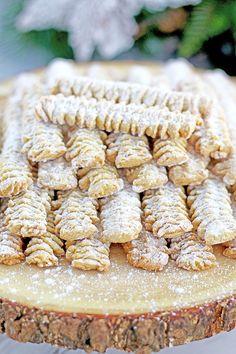 Meat Grinder Cookie Recipe - Valya's Taste of Home Pastry Recipes, Cookie Recipes, Grinders Recipe, Fun Desserts, Dessert Recipes, Bar Recipes, Recipies, Russian Cookies, Banana Sandwich