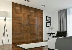 Puertas abatibles, cerezo barnizado, diseño de maderas con vetas desiguales. Te gusta? Armarios empotrados, armarios a medida, vestidores y puertas de armario.