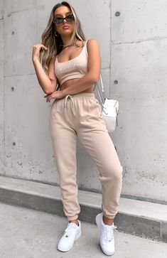 The No Sweat Crop Sand. Head online and shop this season's latest styles at White Fox. Crop Top Outfits, Basic Outfits, Urban Outfits, Short Outfits, Trendy Outfits, Fashion Outfits, Cute College Outfits, Sporty Fashion, Mod Fashion