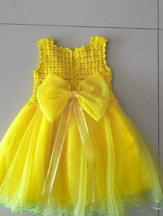 """Adressin with crochet yoke"", ""Super cute tutu dress in coral"" Crochet Yoke, Crochet Girls, Crochet Baby Clothes, Crochet For Kids, Crochet Art, Crochet Animals, Baby Tutu Dresses, Little Girl Dresses, Flower Girl Dresses"