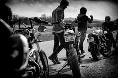 Photo by Ricardo Miras. Your bike, the wind and the road.