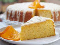 Gâteau à l'orange : Un gâteau moelleux et parfumé ! Mandarin Cake, Bon Dessert, Orange Recipes, Cornbread, Nigella, Buffet, Biscuits, Food And Drink, Paleo
