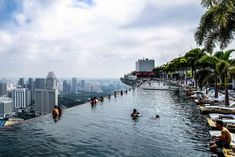 rooftop infinity pool in Singapore