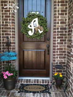 Lookie What I Did: Home Sweet Home I love this entry way. My favorite brick color too. Lovett all!