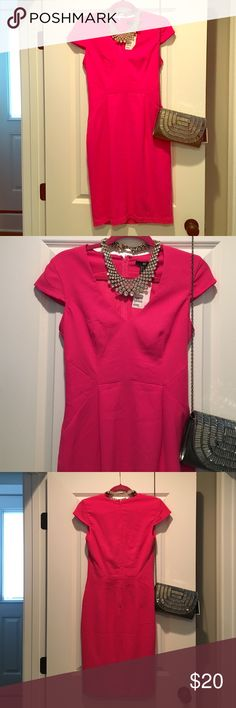 NWT H&M cap sleeve pencil dress- Sz 8 Beautiful and flattering dress. Perfect day and night. Slim fit. Hidden back zip. Back slit. V neck cut H&M Dresses Mini