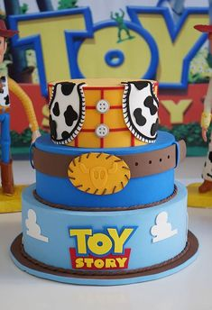 I hope you enjoy these amazing TOY STORY PARTY ideas. Fête Toy Story, Toy Story Baby, Toy Story Theme, Toy Story Cakes, Toy Story Birthday Cake, Woody Birthday, 1st Boy Birthday, Cowboy Birthday, Birthday Ideas