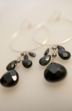 Black onyx and gf Yellow Sign, Black Onyx, Pearl Earrings, Jewellery, Studio, My Style, Beach, Jewelery, Jewelry Shop