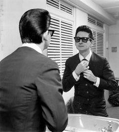 The Golden Voice: Roy Orbison - Maxim Steve Cropper, Sam Phillips, Famous Legends, Female Poets, Travelling Wilburys, Joan Baez, Roy Orbison, Buddy Holly, Classic Songs