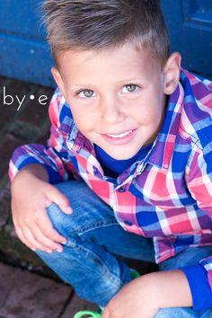 Fotoshoot | Boy | Portret | Stad | Harderwijk | Fotografie | ByEsther Studio Shoot, Happy Kids, Children Photography, Cute Boys, Little Ones, Photoshoot, Kobe, Party, Pictures