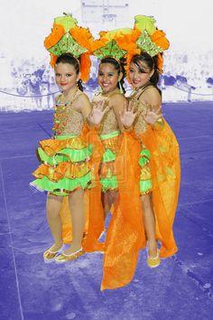 de naranja y verde en el carnaval by MiSA-MiiSA.deviantart.com on @deviantART