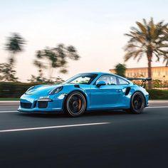Porsche Macan Gts, Custom Porsche, Porsche Club, Classic Cars, Bmw, Instagram, Hall Runner, World, Vintage Classic Cars