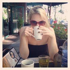 Photo by - Beautiful Wife, Kurt Cobain, Sunglasses, Style, Fashion, Swag, Moda, Stylus, Fasion