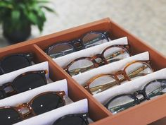 #optiqueisambert #Lunettesdesoleil #pantosparis #madeinfrance Made In France, Paris, Artisanal, Napkin Rings, Instagram, Sunglasses, Montmartre Paris, Paris France, Napkin Holders