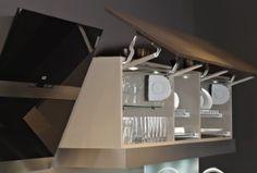 Küche mit viel Komfort - Elektrisch öffnende Klappe