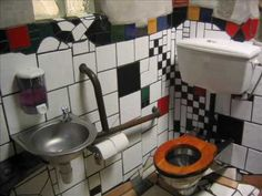 hundertwasser toilets kawakawa new zealand i lived here. Black Bedroom Furniture Sets. Home Design Ideas