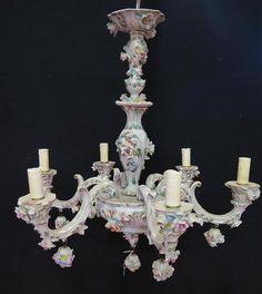 NAPLES- CAPO DI MONTE : Lustre à six lumières en porcelaine blanche