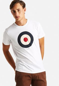 The Target T-shirt is an essential Ben Sherman piece. Cut to a mod fit shape, this crew neck staple features a discharge print mod target and subtle Ben Sherman back logo. Pair it with some fitted indigo denims and Chelsea boots for a laid-back look with a smart feel. Ben Sherman, Chelsea Boots, Indigo, Target, Crew Neck, Pairs, Shape, Logo, Denim