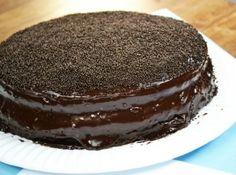 Para cantar um parabéns, a preferência sempre é o bolo de chocolate, mas tem que ter um