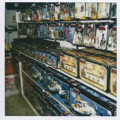 geek with curves: Store shelves stocked with Kenner Star Wars toys