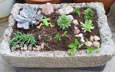 Dekorácie z hypertufy zmenia vašu záhradu na nepoznanie - Ostatné - Majstrovanie | Hobby portál Succulents In Containers, Indoor Garden, Container Gardening, Concrete, Landscape, Plants, Image, Mosaic, Stones