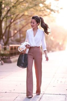 This portfolio of spring work outfits ideas can offer inspiration to any woman, whether she works in an all-business or really casual office.