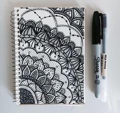 Easy Mandala Drawing, Mandala Doodle, Mandala Art Lesson, Doodle Art Drawing, Mandala Artwork, Henna Drawings, Zentangle Drawings, Zentangle Patterns, Zentangles