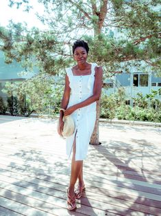 I could wear white all year around and particularly in summertime because it feels fresher when wearing light colors and you instantly get noticed. It really makes your style sleeker. #lwd #littlewhitedress