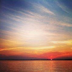 Killer sunset #eidon #sunset #eidonsurf #lake #sky #love #water #beautiful #clouds #forever #fun #orange #sun #helloweekend #explore #lifeisswell #livetravelsurf #instagood #instamood