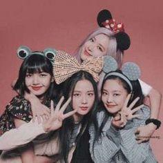 Kpop Girl Groups, Korean Girl Groups, Kpop Girls, Image Pinterest, Mode Rose, Blackpink Poster, Blackpink Members, Mode Kpop, Lisa Blackpink Wallpaper