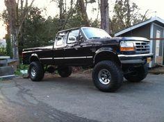 big trucks and girls Ford Pickup Trucks, 4x4 Trucks, Diesel Trucks, Cool Trucks, Chevy Trucks, 1996 Ford F150, Obs Truck, Ford Obs, Tundra Truck