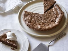 Giada De Laurentiis' Hazelnut and Chocolate Pie with Vanilla Whipped Cream  #Thanksgiving #ThanksgivingFeast #Dessert