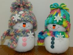 Snowmen with crocheted hat and scarf by marlas. These little cuties are so much fun to make. Look at 'em! Sock Snowman, Snowman Crafts, Snowman Ornaments, Snowmen, Christmas Ornaments, Holiday Crafts, Holiday Decor, Sock Dolls, Polymer Clay Crafts