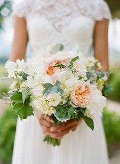 featured photographer: Josh Gruetzmacher Photography; wedding bouquet idea