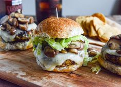 Crispy Autumn Veg Burgers with Apple Cider Slaw: absolutely the best veggie burger I have ever had Vegan Vegetarian, Vegetarian Recipes, Cooking Recipes, Healthy Recipes, Vegetarian Sandwiches, Paninis, Tostadas, Tacos, Sliders