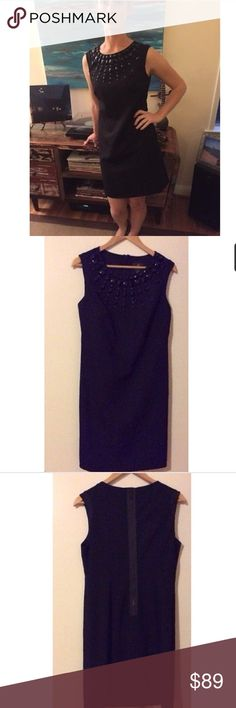 Classic Formal Black Adrianna Papell Dress, Size 6 Classic Formal Black Adrianna Papell Short Dress, Sleeveless, Size 6, Beading on bodice, exposed black zipper in back, honeycomb parr tern in front, solid in back.  Classic and in great condition! Retails for $300! Adrianna Papell Dresses Midi