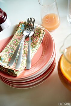 Printed cloth napkins are a must-have for summer brunches. Look for bright florals or cheery geometric patterns. Complete the table setting with pastel dishes, glass pitchers for juice and plenty of fresh flowers. Peach And Green, Just Peachy, Pink Grapefruit, Table Toppers, Cloth Napkins, Kitchen Pantry, Humble Abode, Beautiful Kitchens, Decoration