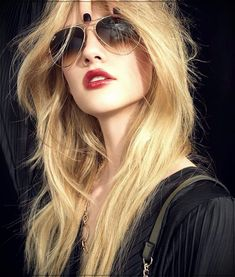 Long haircuts trends from the best salons 2020 Hair Trends Haircuts long salons Trends Long Curly Haircuts, Easy Hairstyles For Long Hair, Spring Hairstyles, Casual Hairstyles, Trending Hairstyles, Cool Hairstyles, Latest Hairstyles, Layered Haircuts, Curly Hair Cuts