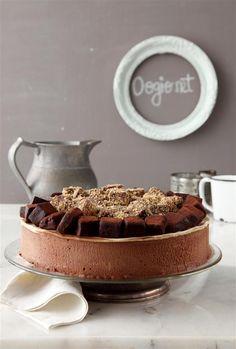 עוגת מוס שוקולד ונוגט עם טראפלס ואספרסו