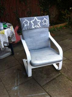 Ikea Stuhl /vorher holzrahmen/blaues Polster/gestrichen -mit Schablonen die Sterne aufgetragen ...