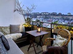 Small Balcony Furniture and Decor Ideas (35)
