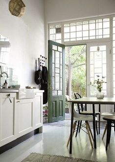 anglo-inspired kitchen in Gotheburg (via Remodelista) - my ideal home...