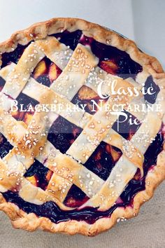 Classic Blackberry Nectarine - www.countrycleaver.com The best seasonal pie you will ever have with fresh blackberries and nectarines #pie #seasonal #blackberry #peach #nectarine