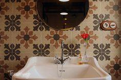 Vista lavabo del baño de Víctor | Teresa Bermejo #fontini #ikea #vivesceramica