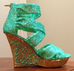 Confessions of a glitter addict: Soft Green and Gold  Muses Shoe