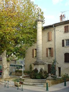 Mirabeau (Vaucluse) - La Fontaine