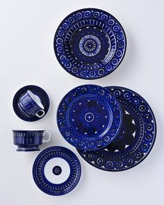 Arabia ceramics, Valencia design by Ulla Procopé Finland. Love Blue, Blue And White, Dark Blue, Boho Home, Himmelblau, China Patterns, Plates And Bowls, My Favorite Color, Scandinavian Design