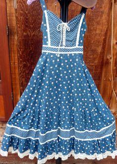 /vintage-70s-blue-floral-gunne-sax
