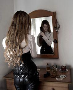 """La Belleza"" (2013) Shana Rabal / Xisca Barceló Model: Shana Rabal Camera: Nikon D3100 F: 5 Exposition: 1/100s ISO: 400"